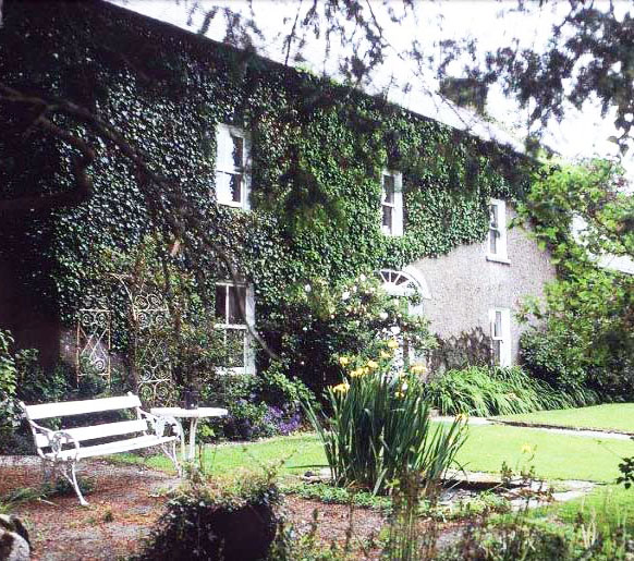 Cullintra House offers guests a warm Irish Farmhouse welcome - bed and breakfast accommodation, Kilkenny, Ireland